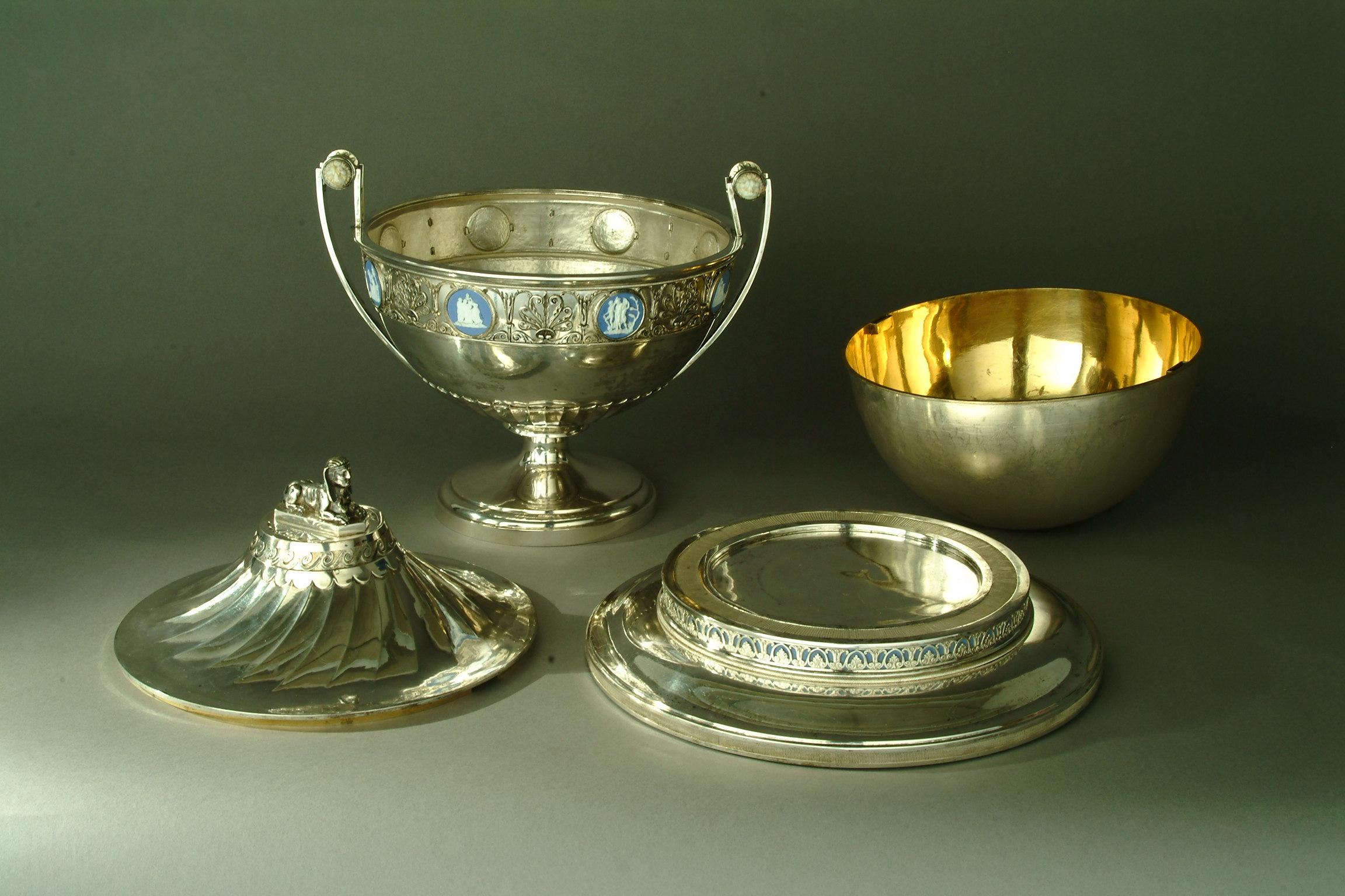 Wir restaurieren Gegenstände aus Metall